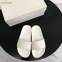 pantoufles de logo Promotion 2019 Sandales diapositive de piscine à logo imprimé de mode, Pantoufles en caoutchouc pour femmes - Noir, blanc, bleu rose