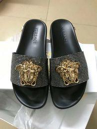 sandali da bagno Sconti 2019 di alta qualità per uomo signore indoor e outdoor slide Medusa testa logo signore pantofole da bagno sandali da uomo CON SCATOLA 35-45