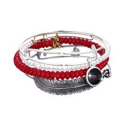 2020 piuma di amici Red Feather Bead Charms Quattro pezzi Suit braccialetto braccialetto europeo popolare di modo americano progettista braccialetto femminile gioielli regalo migliore amico piuma di amici economici