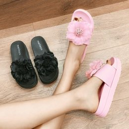 Goddess2019 Summer Beach Outside Clothes Thick Flat With Sandals Woman Seaside Non slip On Vacation Flower Soft Bottom One The Word Drag