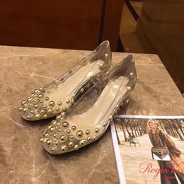 Zapatos de boda de la celebridad online-Remache rojo fondo tacón grueso bombas claro PVC cristal cubierto tacones altos mujeres celebridades estilos Oro plata zapatos de boda Embalaje original completo