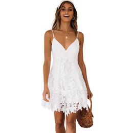 Weißes häkeln rückenfreies kleid online-Sexy Frauen Lace Slip Kleid V-Ausschnitt Spaghetti Strap Damen Backless White Kleider Crochet Lace Sleeveless Sommer Minikleid 2019