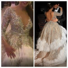 Vestidos de noiva de pena oi lo on-line-Luxuoso Cristais Frisados 2019 Vestidos de Casamento Africano Backless Sheer Neck Sexy Nupcial Vestidos de Baile Vestido de Vestidos de Casamento Oi-Lo Pena ZJ954
