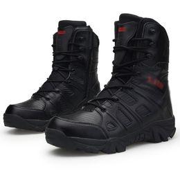 Outdoor Men Hiking Shoes 2018 2019 Outdoor Escursioni Scarpe da uomo Desert High-top stivali tattici da combattimento uomini Army Boots Sapatos Masculino da scarpe da trekking scarpe basse fornitori