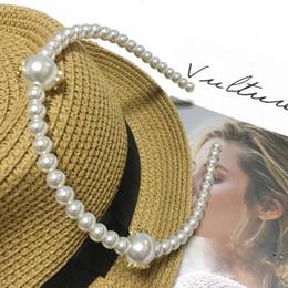 Mani ornamenti online-Cerchio per capelli coreano fatto a mano perla C lettera fascia elegante e semplice forcina per capelli decorazione ornamenti per capelli regalo festa