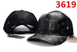 Algodón Snapback Hueso Ajustable Hombres Sombreros Bordado Hip Hop Unisex  Pirámide Gorras de béisbol Casual Negro Blanco Rojo Sombrero de diamante 65e3bdb1d15