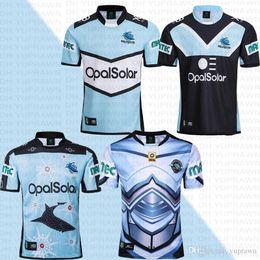 2018 Austrália CRONULLA-SUTHERLAND TUBARÕES Rugby Jersey 2018 Jersey Indígena National Rugby League Austrália Telstra Premiership Jersey de Fornecedores de jérsei de rugby azul amarelo