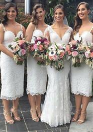 chic vestidos de casamento bainha Desconto Charme Cheia de Renda Vestidos Dama de Honra Spaghetti Correias Com Decote Em V Bainha Chá Comprimento Chique Convidado Do Casamento Vestido Lindo Empregada Doméstica De Honra Vestidos Personalizados