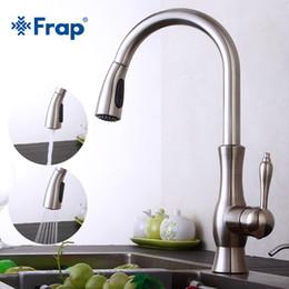 Спрей кухонный смеситель онлайн-Frap Retro Kitchen Faucet Brass Brushed Nickel Kitchen Sink Faucets Pull Out Rotation Spray water Mixer Tap Torneira Cozinha