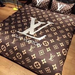 Capas de lençol de cama on-line-Estilo de luxo Conjuntos de Cama 4 pcs Carta Impresso Quilt Cover Define Moda Europa e América Lençol Capa Terno 9 estilos GGA2233
