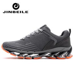 2020 sapatilhas com mola Tamanho grande 45 dos homens tênis de corrida não-slip sapatos de desporto ao ar livre novo design springblade único treinador tênis de treino para o homem sapatilhas com mola barato