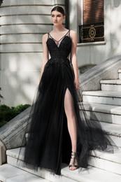 2020 vestidos brancos pretos da recepção de casamento 2019 A linha Preto Gothic Longos Vestidos de Casamento Coloridos Com Cintas Sexy Profundo Decote em V Frisada Lace Tull Mulheres Não Branco Vestido de Festa de Casamento vestidos brancos pretos da recepção de casamento barato