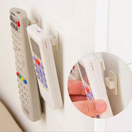 Plastik Kanca 2 Takım / grup Yapışkan Kanca Seti TV Klima Uzaktan Kumanda Anahtarı Pratik Duvar Depolama Tutucu Güçlü Askı cheap plastic key hook nereden plastik anahtar kancası tedarikçiler