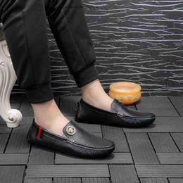 3bb987ac871 2019 handgemachte hochzeit schuhe Marke männer Wohnungen Müßiggänger Echtes  Leder Slip-on Kleid Schuhe Handgemachte