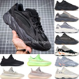 Top designer di scarpe uomo online-Alta qualità Adidas yeezy 700 350 v2 Vanta Utility Nero Inertia Tephra Synth Lundmark Nero Statico Antlia GID Kanye West Uomo Designer scarpe uomo donna Sneakers