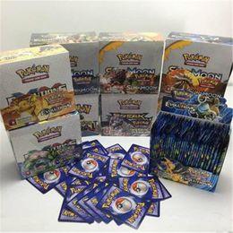 2019 modelos de tarjetas de papel Papel recubierto de sol y luna 324 unids / set Pikachu Poker Trading Cards Modelo Poker Card for Children Kids Anime Cartoon Party Juegos de mesa Juguetes Juguetes modelos de tarjetas de papel baratos