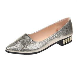 Argentina Zapatos de vestir de diseñador 2019 Nueva Primavera Mujer Mujer Oro Tacones bajos cuadrados Bombas poco profundas Resbalón en punta estrecha Solid Ladies Ladies Casual Plus Size Suministro