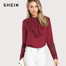 5dfae6194 2019 blusas color burdeos SHEIN Borgoña elegante con volantes plisado  contraste encaje botón soporte cuello manga