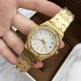 2019 bracelet en diamant de champagne Nouveau modèle Luxe Femmes Classique Montres À Quartz Robe Montre Bracelet Glands style or Bracelet Montres avec strass Diamant box gratuit promotion bracelet en diamant de champagne