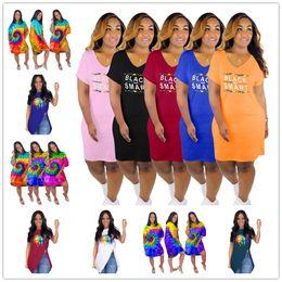 2020 camisas pretas dos bordos Designer de Mulheres Vestidos Preto Carta Inteligente Tie-dye Saias Irregular Hem Rainbow Lips Solta camiseta de Manga Curta Clubwear Vestido Geral C73102 camisas pretas dos bordos barato