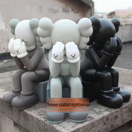 Prix jouets en Ligne-Le Plus Bas Prix Original Faux Kaws En Passant À Travers Vinyle Poupée PVC Jouets 28cm Au Détail Noir Boîte D'origine