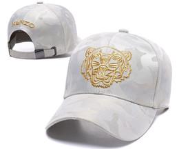 2019 Gorras de béisbol de diseñador Nuevos polos para hombre de lujo Sombreros para la cabeza Bordados en oro Hombres Mujeres casquette Sombrero para el sol Gorras Gorra deportiva Envío gratis desde fabricantes