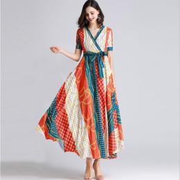 Vestidos impresos cinturones online-Diseñador de la mujer Vestidos de pista Vestidos de manga corta con cuello en V Impreso Sash Cinturón Moda Vestidos largos de verano ocasionales