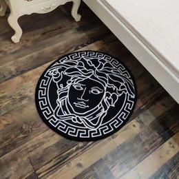 Argentina Alta calidad 2019 letras estera redonda 60 cm alfombra nórdica sala de estar dormitorio puerta estera cocina gruesa antideslizante alfombra de baño cheap high quality carpets Suministro