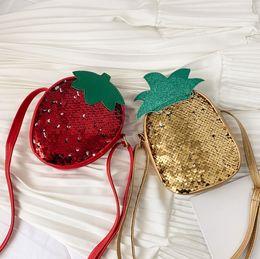 2020 sacchetti di frutta di ananas i bambini di scintillio sequins borsa ragazze dolci di figura della fragola ananas singoli bambini del sacchetto di spalla paillettes frutta principessa sacchetto crossbody F7082 sacchetti di frutta di ananas economici
