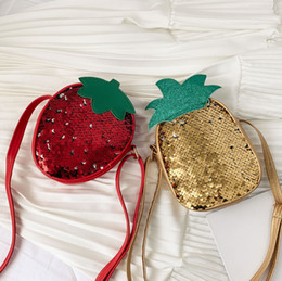 sacos de fruta de abacaxi Desconto Glitter crianças lantejoulas saco doces meninas forma de morango abacaxi único saco ombro crianças lantejoulas fruto princesa saco crossbody F7082