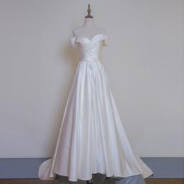Robe de mariée en taffetas chérie cou en Ligne-Robe de mariée en taffetas de luxe avec encolure en dentelle et robe de mariée