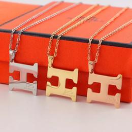 Pendiente para pareja online-2019 Nuevo lujo de calidad superior H Cuff Earring Letter Collar Ring para hombres Mujeres Quartz Herm Best Gift Jewelry Brand Designer Couple Gift