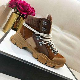 Tela di gomma delle donne online-2018 Sneaker Flashtrek da donna in pelle marrone sneaker di lusso Rubber logo in sneaker da uomo con stivali tecnici in tela da donna scarpe da trekking