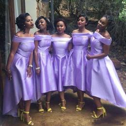 vestidos de color morado claro bajo alto Rebajas Light Purple Vestidos de dama de honor Primavera, verano Use fuera del hombro Vestido de fiesta de cóctel Bajo y alto Satén CHeap Vestidos de invitados de boda Más del tamaño
