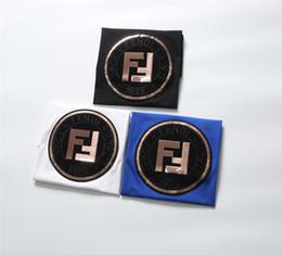 S decorazioni online-FENDI 2019 Estate Nuovo arrivo Designer di alta qualità Abbigliamento uomo T-Shirt FF Paillettes Decorazione T-shirt Taglia M-3XL 1016