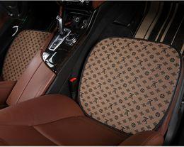 Acolchado de asiento automático online-Cojín de asiento de coche L Letter Brand Cojín de asiento de coche Universal Cómodo Square Front Back Back Fundas de asientos Auto Silla Pad Mat GGA2188