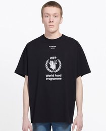 tshirt de rihanna 3d Desconto Novo Designer de T Camisas Hip Hop Men T Shirt Da Marca de Moda Das Mulheres Dos Homens de Manga Curta Tamanho Grande T camisas atacado tanques Ba33