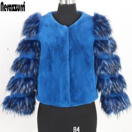Tesouras grandes on-line-Nerazzurri faux fur coat mulheres tamanho grande curto cropped top azul Outono inverno quente peludo falso sheared jacket 5xl 6xl 7xl