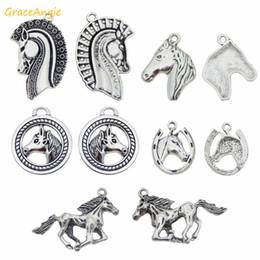 kupferfeder charme großhandel Rabatt GraceAngie 10 stücke Zinklegierung Silber Pferd Tier Charme Zufällige form Halskette Anhänger Armband Ohrring DIY Schmuckzubehör