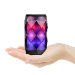 altavoz bluetooth s Rebajas Brillante lámpara de estado de ánimo Diamond Diamond speaker Soaiy S-75 Subwoofer de luz colorida con micrófono Ranura para tarjeta TF Luz de respiración Altavoz