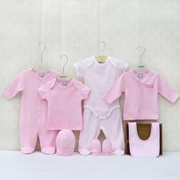 2867c730e7caf Nouveau-né 100% coton vêtements pour garçons et filles 8 Pcs / lot cadeaux  ensemble été et automne 0-9 mois bébé vêtements ensembles