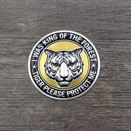 Emblemi in metallo alluminio online-Adesivi per auto universali Carro armato del gas di petrolio Decalcomanie Pad 3D del metallo di alluminio del cranio Accessori moto Decorazione Distintivo dell'emblema per Harley