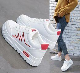 32e67dc2138 chaussures vert à talons hauts Promotion Cuir PU Femme Casual Chaussures  Femmes Appartements Blanc Chaussures Plate