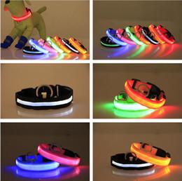 Fluoreszierende hundehalsbänder online-Nylon-LED-Haustier-Hundehalsband Nacht Sicherheits-Blitzen-Glühen im dunklen Hundeleine Hunde Luminous Fluorescent Halsbänder Pet Supplies