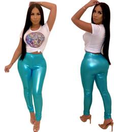 Pantalones lápiz xxl online-Moda de verano, 2 piezas, conjunto, dama, estampado, camisetas de manga corta y pantalones de lápiz de PU azul High Street Casual Trajes XXL