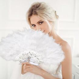 Hauptdekoration Handgemachte Fan Verkäufe Weiße Damen Gefaltete Truthahnfeder Hand Fan Großhandel Für Tanz Hochzeit Dekoration von Fabrikanten