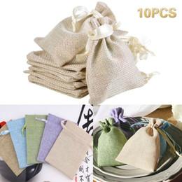 Kleine sackleinen geschenk taschen online-10PC Wedding Gift Favor Schmuck Kleine Leinwand Leinen Jute-Sack-Beutel-Beutel mit Kordelzug