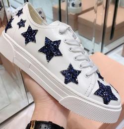 594c98a3 Alta calidad 2019 Diseñador de moda de lujo para mujer neón brillante plata  Glitter blanco cuero real Trainer zapatos plataforma plana con cordones ...