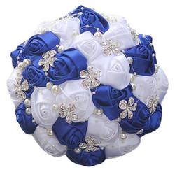 2019 bouquet di lusso 2020 Nuove perle di cristallo fiori artificiali nuziale Fiori bouquet sposa di lusso di cristallo che Wedding Hand Holding Bouquet Wedding Decoration bouquet di lusso economici