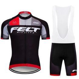 2019 kit de ciclo profesional Ciclismo Maillot Ciclismo Maillot Ciclismo de Tour de France masculino Set de manga corta de verano de secado rápido en bicicleta de montaña MTB Kit de ropa de ciclo rebajas kit de ciclo profesional